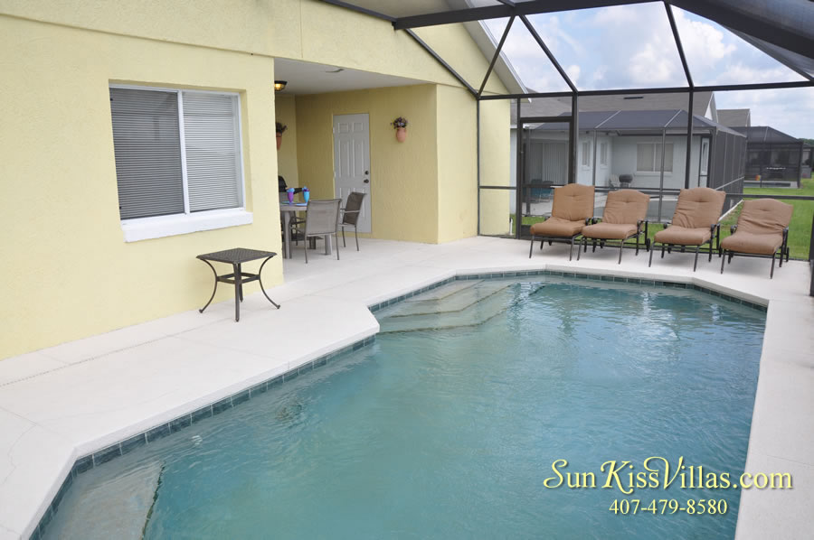 Orlando Vacation Rental - Disney Fun - Pool and Covered Lanai