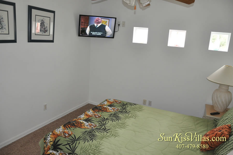 Disney Palm Vacation Home Rental - Queen Bedroom