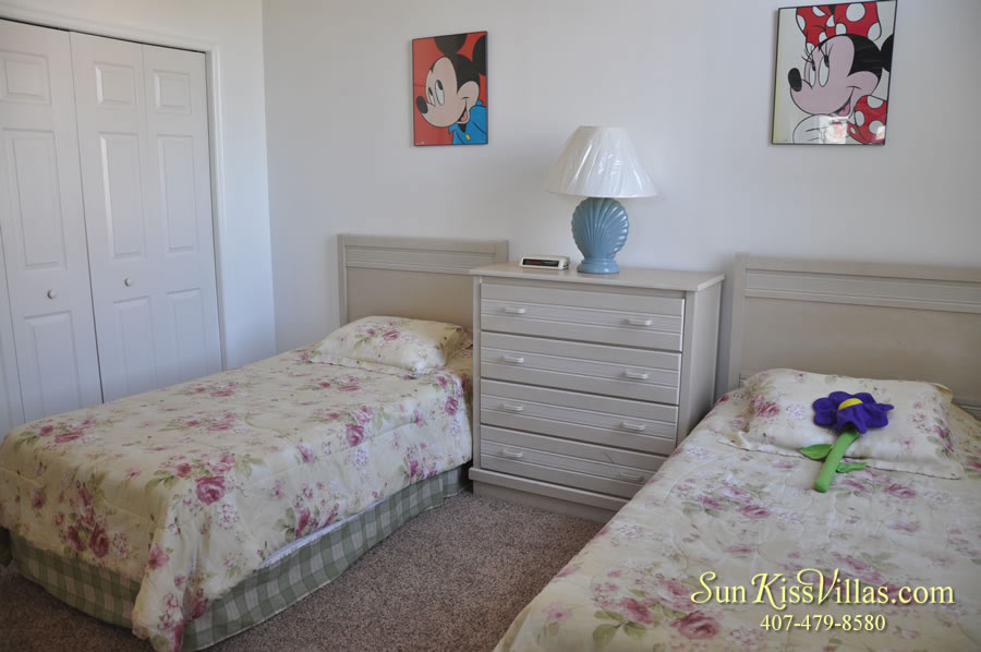 Disney Palm Vacation Home Rental - Twin Bedroom