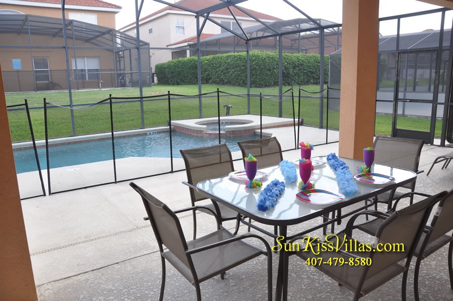 Disney Orlando Vacation Rental - Endless Summer - Pool and Covered Lanai