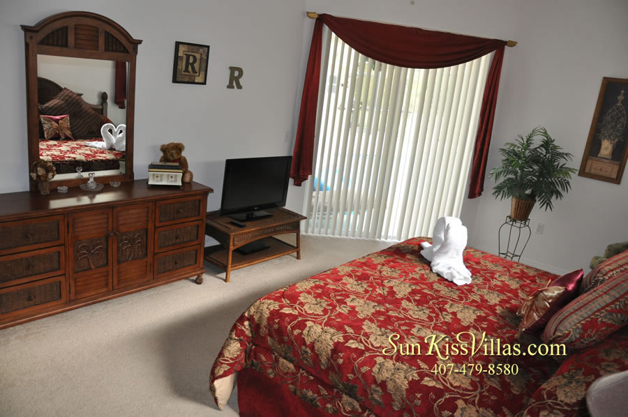 Orlando Disney Vacation Rental Home - Grand Oasis - Master Bedroom