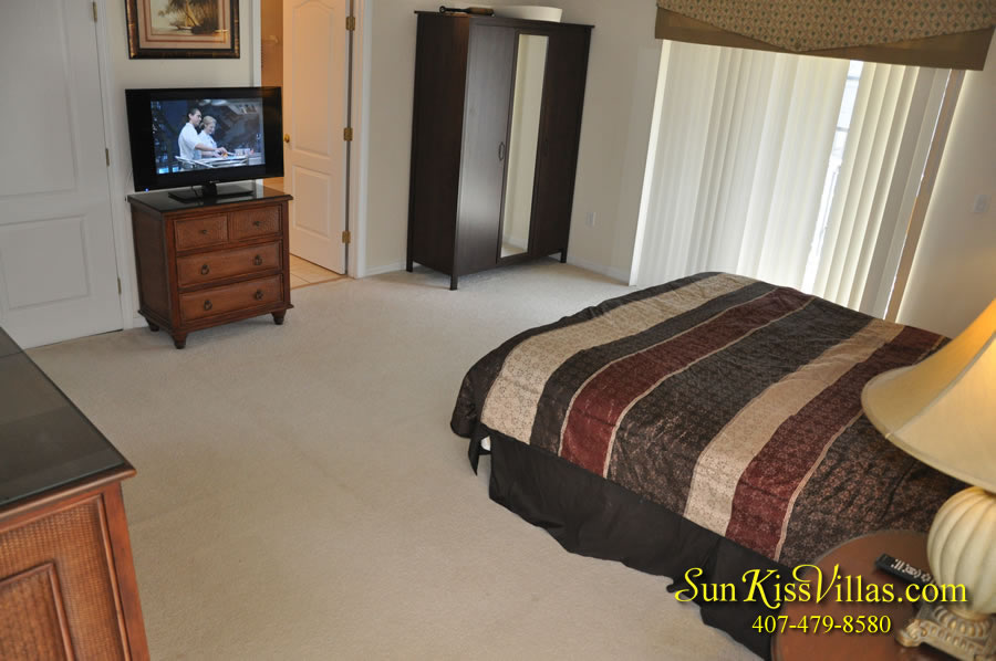 Disney Vacation Villa - Henley Park - Master Bedroom
