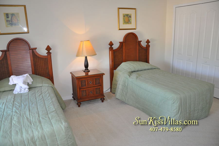 Disney Vacation Villa - Henley Park - Twin Bedroom
