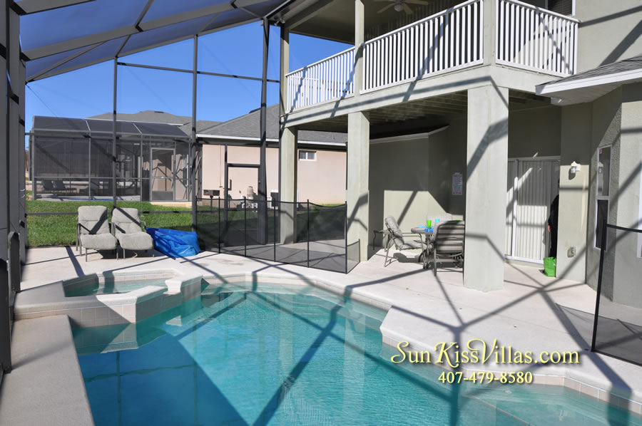 Disney Vacation Villa - Henley Park - Pool and Covered Lanai