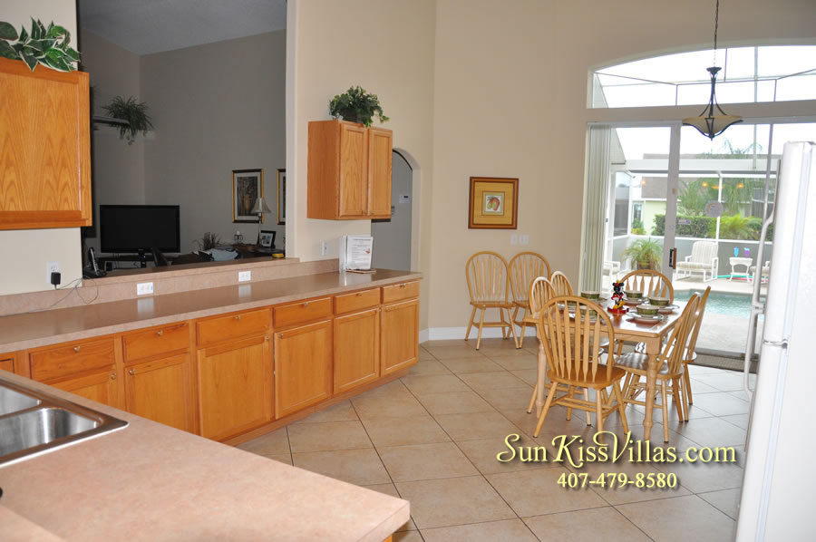 Orlando Villa Rental Near Disney - Keystone - Kitchen and Breakfast