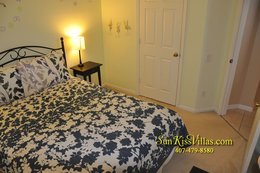 Disney Vacation Rental Home - Mickey's Cottage - Bedroom