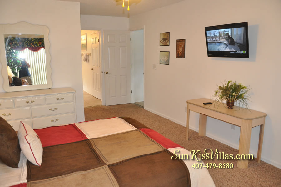 Disney Vacation Rental Home - Orange View Master Bedroom