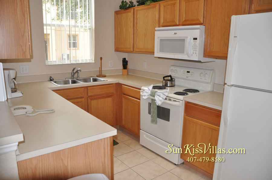 Disney Orlando Vacation Townhouse Rental - Quiet Cove - Kitchen