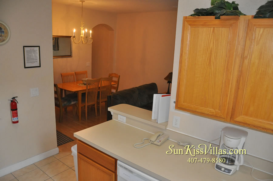 Disney Orlando Vacation Townhouse Rental - Quiet Cove - Kitchen and Dining
