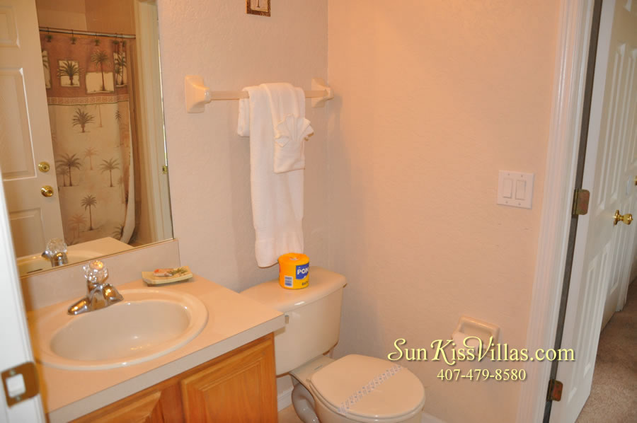 Disney Orlando Vacation Townhouse Rental - Quiet Cove - Bathroom