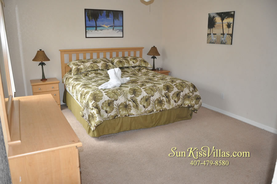 Disney Orlando Vacation Townhouse Rental - Quiet Cove - Master Bedroom