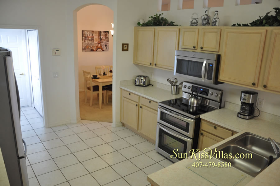 Vacation Home Rental Near Disney World - Sapphire Blue - Kitchen