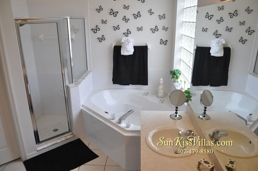 Vacation Home Rental Near Disney World - Sapphire Blue - Master Bath