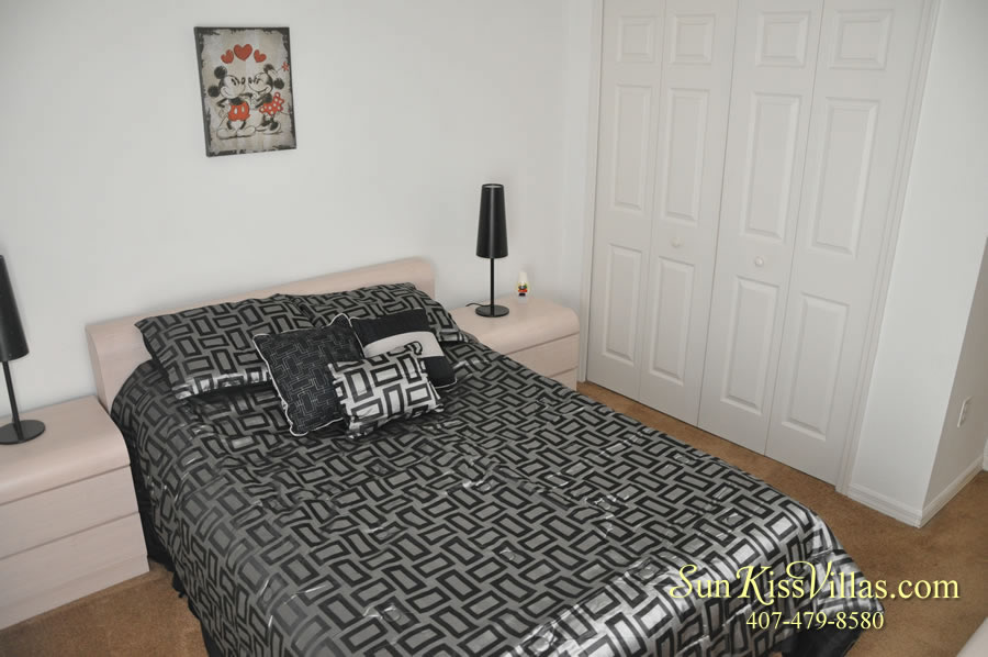 Disney Vacation Rental Home - Shangri-la Double Bedroom