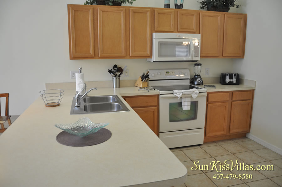Treasure Cove - Disney Vacation Rental Solana - Kitchen