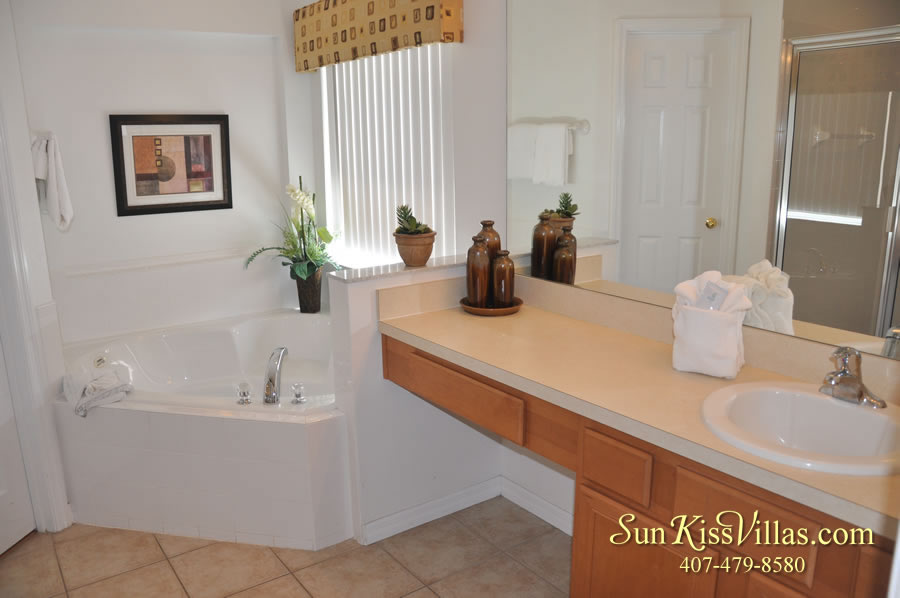 Treasure Cove - Disney Vacation Rental Solana - Master Bath