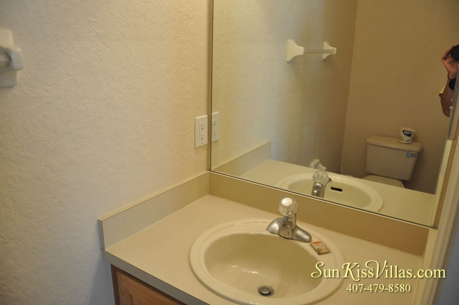 Vacation Townhouse Rental Disney - Trade Winds - Half Bath